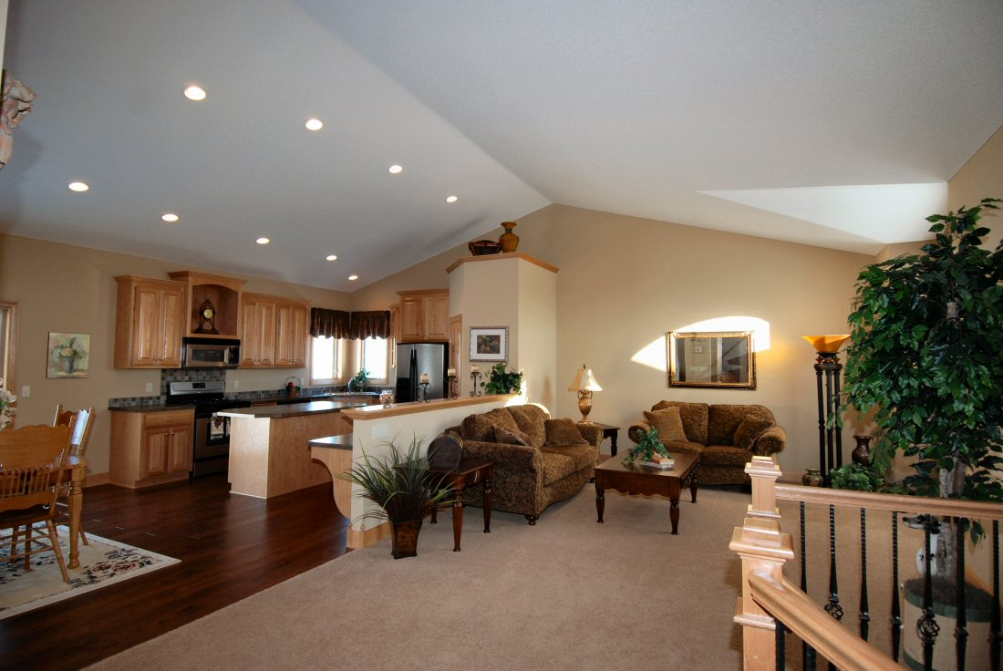 Vaulted great room ideas photo gallery building plans for Vaulted ceiling great room